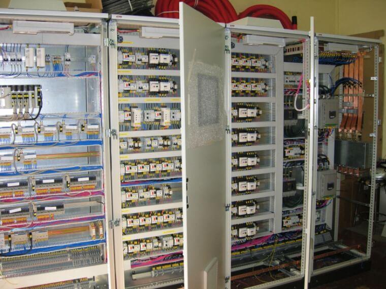 ventajas de tener una batería de condensadores eléctricos