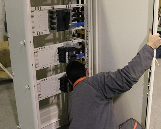 Instalaciones Eléctricas Industriales en Madrid cuadros eléctricos
